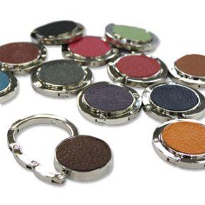 Accroche-sac personnalisé en cuir