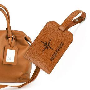 Porte-étiquette de bagage en cuir personnalisé voyageur