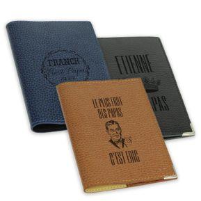 Protège passeport cuir gravé fête des pères
